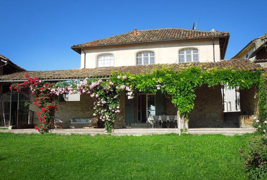 Casarovelli flowery portico